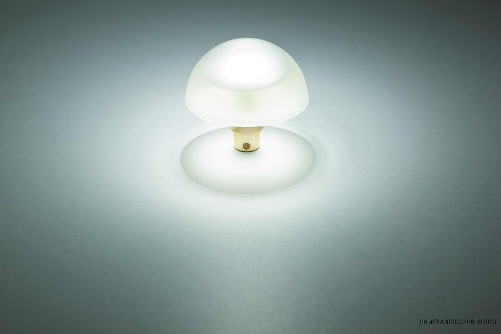 Lamp / still life di un profumo